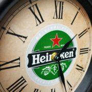 fh2192 heineken bier klok dekornschuur.nl